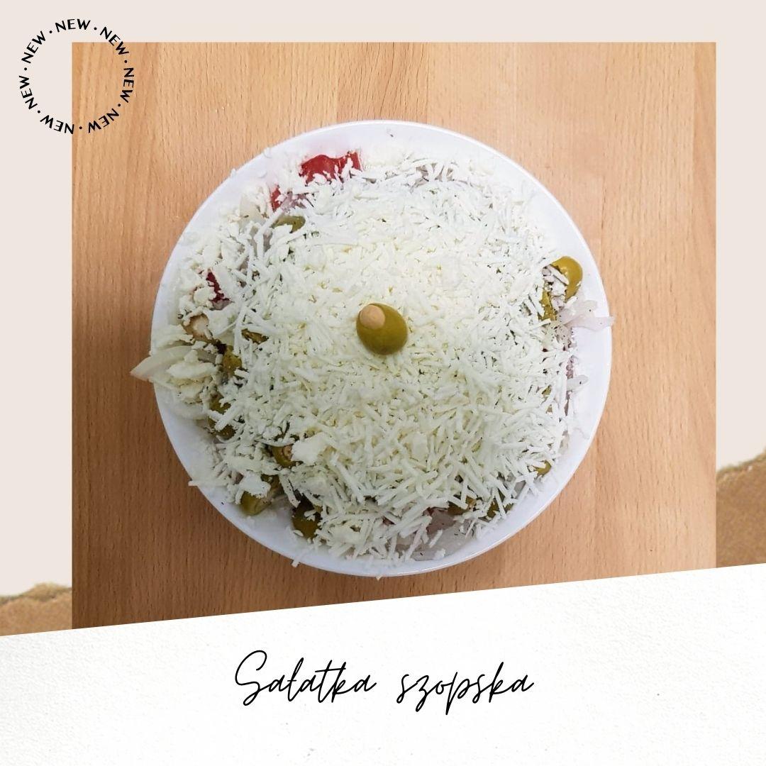 Sałatka szopska – jak zrobić letnią bułgarską sałatkę? Przepis