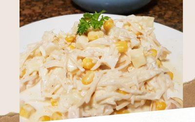 Sałatka z selera konserwowego, szynki i ananasa – idealna na każdą imprezę i na co dzień