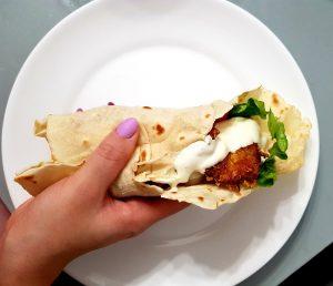 zwinięta domowa tortilla