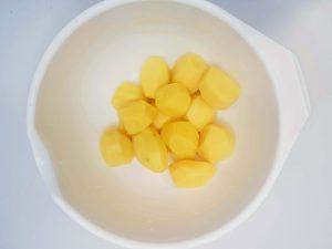 550g obranych ziemniaków