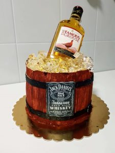 tort beczka z whisky