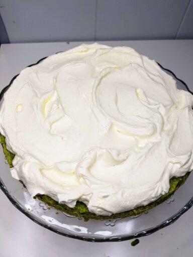 ciasto przełożone śmietaną